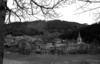 &copy; Roger Choplain, Roland Maston, Région Auvergne - Inventaire général du Patrimoine culturel, ADAGP - Novacelles. Généralités<br /> Vue générale du village de novacelles et de la  Dolore depuis l'ouest.<br />
