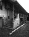 © R. Choplain et R. Maston - Région Auvergne - Inventaire général du Patrimoine culturel, ADAGP - Détail de l'aître de la ferme d'origine