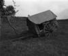 © Roger Choplain, Roland Maston, Région Auvergne - Inventaire général du Patrimoine culturel, ADAGP - Cabane de berger, vue générale.