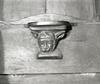 © Roger Choplain, Roland Maston, Région Auvergne - Inventaire général du Patrimoine culturel, ADAGP - Eglise abbatiales Saint-Pierre. Stalle 3 côté nord, détail, miséricorde.