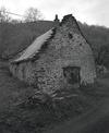 © Roger Choplain, Roland Maston, Région Auvergne - Inventaire général du Patrimoine culturel, ADAGP - Saint-Etienne-sur-Blesle, Farges, grange-étable, vue générale du pignon.