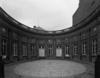 © Roger Choplain, Roland Maston, Région Auvergne - Inventaire général du Patrimoine culturel, ADAGP - Hôtel de Chazerat. Vue générale de la façade sur la cour