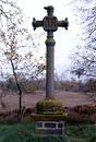 © Roger Choplain, Roland Maston, Région Auvergne - Inventaire général du Patrimoine culturel, ADAGP - Luzillat, La Métairie Basse, croix de chemin.