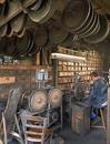 © Jean-Michel Périn, Roland Maston, Région Auvergne - Inventaire général du Patrimoine culturel, ADAGP - Saint-Rémy-sur-Durolle, coutellerie Coupérier-Coursolle, atelier de polissage.