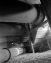 © P. Hervouet, Région Auvergne - Inventaire général du Patrimoine culturel, ADAGP - Pont-Salomon. centrale hydroélectrique, Bâches métalliques et colonnes aboutissant aux chambres d'eau des turbines.