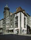 © Jean-Michel Périn, Région Auvergne - Inventaire général du Patrimoine culturel, ADAGP - Angle de la rue de l'Hôtel-de-Ville et de la rue de l'Horloge