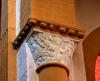 © Jean-Michel Périn, Roland Maston, Région Auvergne - Inventaire général du Patrimoine culturel, ADAGP - Chapiteau du Christ bénissant aux abords sud du tombeau de Mayeul et d'Odilon, fin XIe siècle