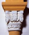 © Jean-Michel Périn, Roland Maston, Région Auvergne - Inventaire général du Patrimoine culturel, ADAGP - Chapiteau remplacé lors des travaux de restauration de le fin du XIXe siècle et au début du XXe siècle. Nef.