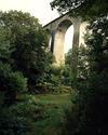 © Roger Choplain, Roland Maston, Région Auvergne - Inventaire général du Patrimoine culturel, ADAGP - Viaduc de Salsignac, à Antignac (Cantal), 1906