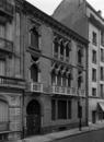 © Roger Choplain, Roland Maston, Région Auvergne - Inventaire général du Patrimoine culturel, ADAGP - Vue générale de la façade, côté hôtel LUTETIA