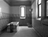 © Roger Choplain, Roland Maston, Région Auvergne - Inventaire général du Patrimoine culturel, ADAGP - Aile S.O. cabine de soin de luxe 2, vue partie bain.