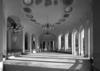 © Roger Choplain, Roland Maston, Région Auvergne - Inventaire général du Patrimoine culturel, ADAGP - Intérieur de l'édifice, vue générale depuis l'extrémité ouest